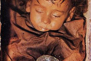 Rosalia Lombardo múmiája.