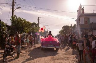 A lányok 15-ik születésnapjának ünnepe Kubában