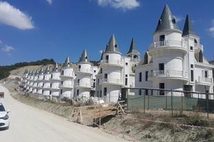 Csődbe ment a műkastélyokat építő török társaság