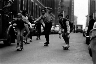 Gördeszkások a 60-as évek New York-jában.