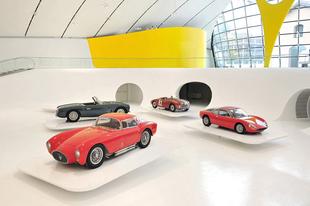 Új Ferrari Múzeum Modenában.
