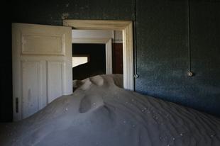 Kolmanskop szellemváros a Namib-sivatagban.