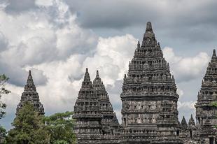 Hihetetlen templom komplexek Világ minden tájáról.