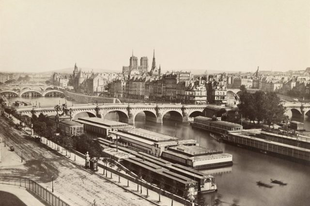 A Notre Dame-székesegyház gyönyörű történelemi fotókon.