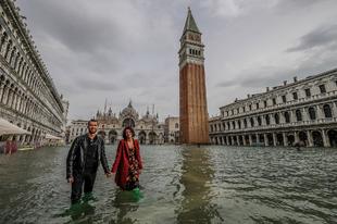 Velence víz alatt