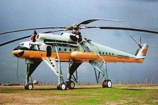 Mil Mi–10 szovjet katonai szállító helikopter.