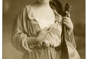 Ilyen volt a női szépségideál, száz évvel ezelőtt.