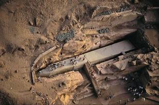A befejezetlen obeliszk