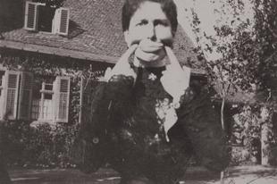 Bolondozó emberek a XIX. század második feléből