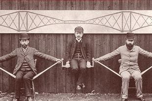 A Forth Bridge vasúti híd építése a 19. században.