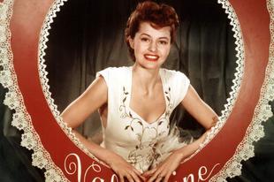 Valentin-napra öltözött híres szépségek a múlt századból.