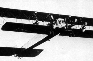A Szikorszkij Ilja Muromec, a világ első nagy, négymotoros szállító és nehézbombázó repülőgépe.