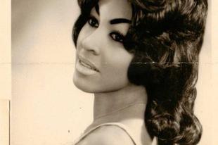 Tina Turner fiatalkori képei az 1950-es évek végétől az 1960-as évekig.
