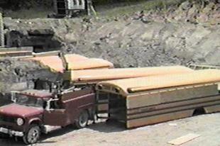 Atombunker 42 iskolabuszból
