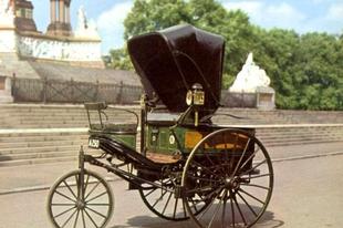 24 híres régi autó.