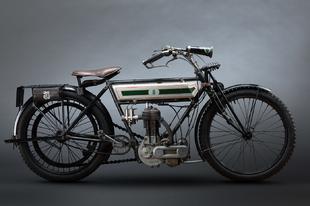 Gyönyörű fotók háború előtti motorkerékpárokról.