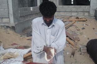 Így készűl a Pakisztáni naan kenyér.