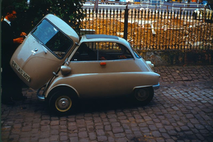 A BMW Isetta