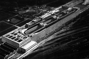 Versenypálya a Fiat gyár tetején.
