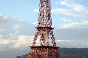 Eiffel-torony másolatok a világ minden részéről.
