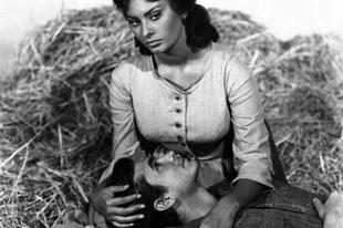 """Sophia Loren és Anthony Perkins a """"Vágy a szilfák alatt"""" című filmben"""