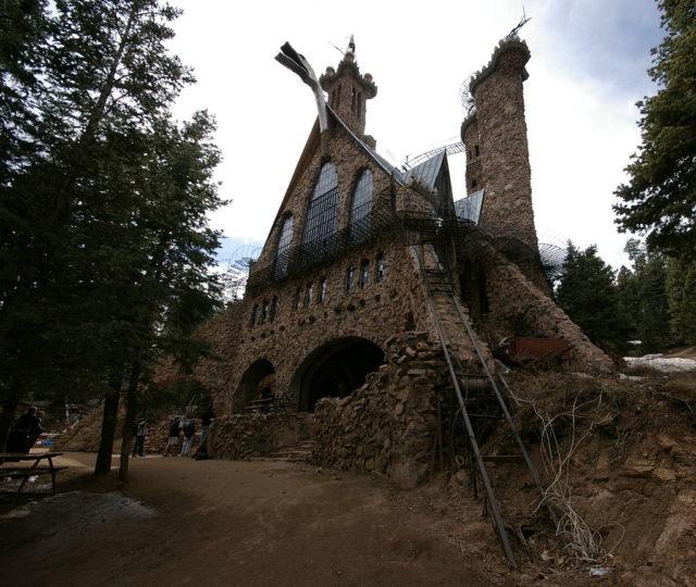 bishop_castle2.jpg