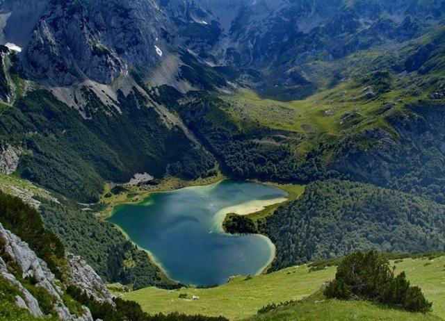 montenegro17.jpg