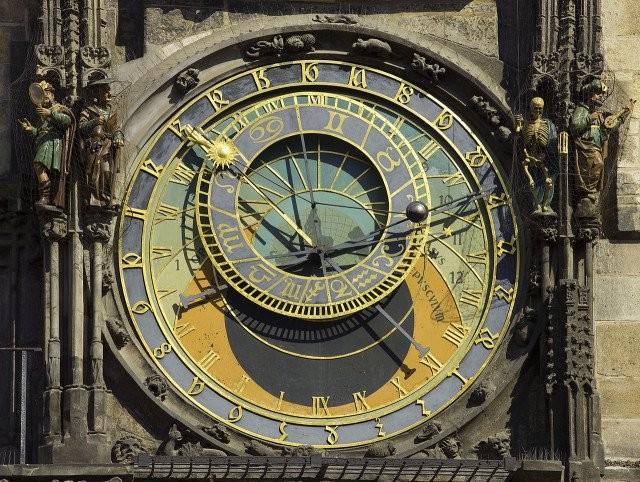 orloj_3.jpg