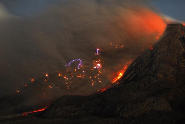 vulkani_villamlas2.jpg