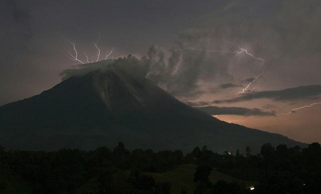 vulkani_villamlas3.jpg