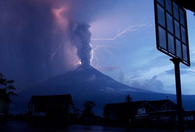 vulkani_villamlas9.jpg