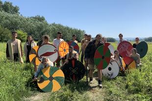 A Táti-sziget vikingjei /2019-es nyári táborunk első napjai/