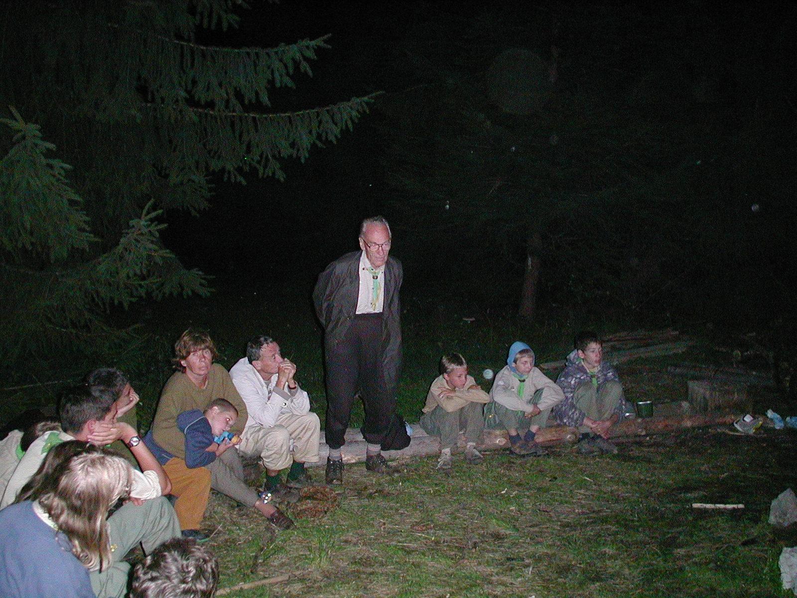 Utolsó tábortűz, emlékmesélés: a 2002-es máriaforrási esőtáborban