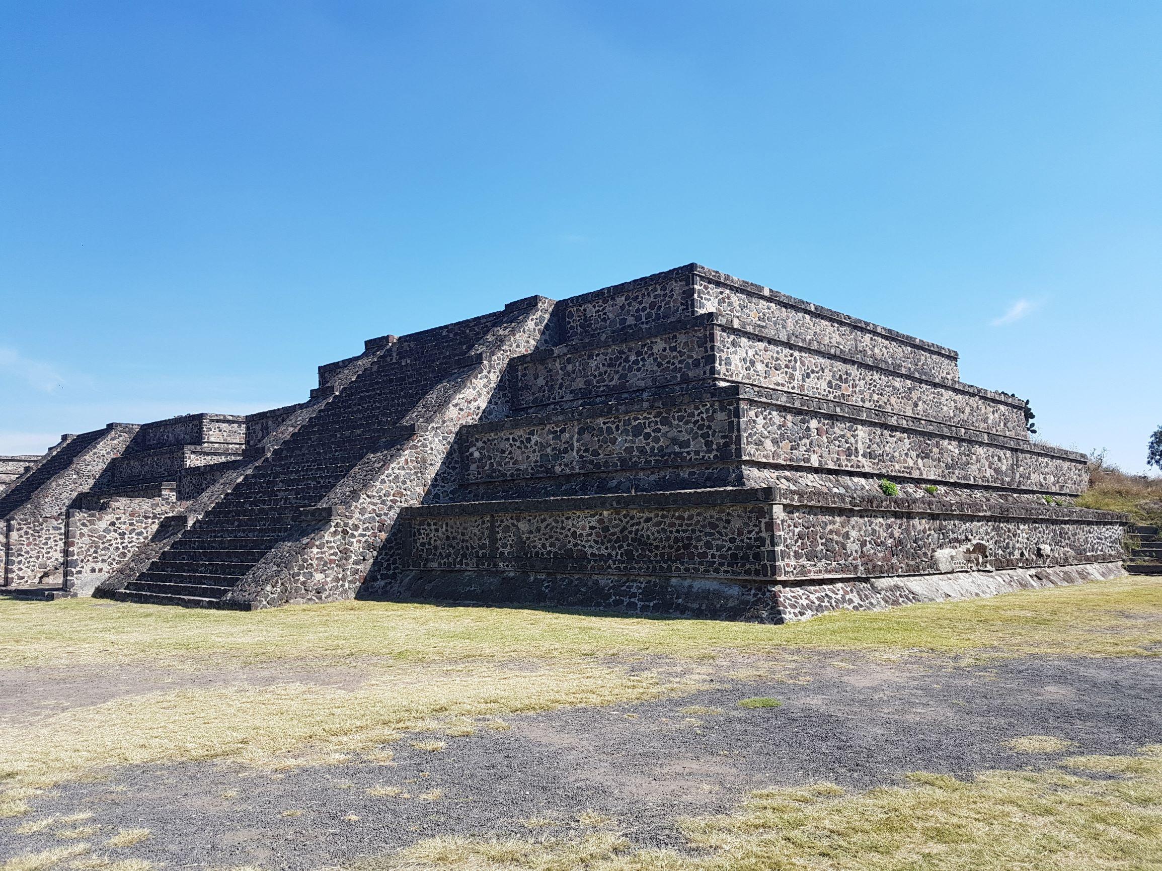 piramis2.jpg