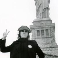 Lennon is szerette