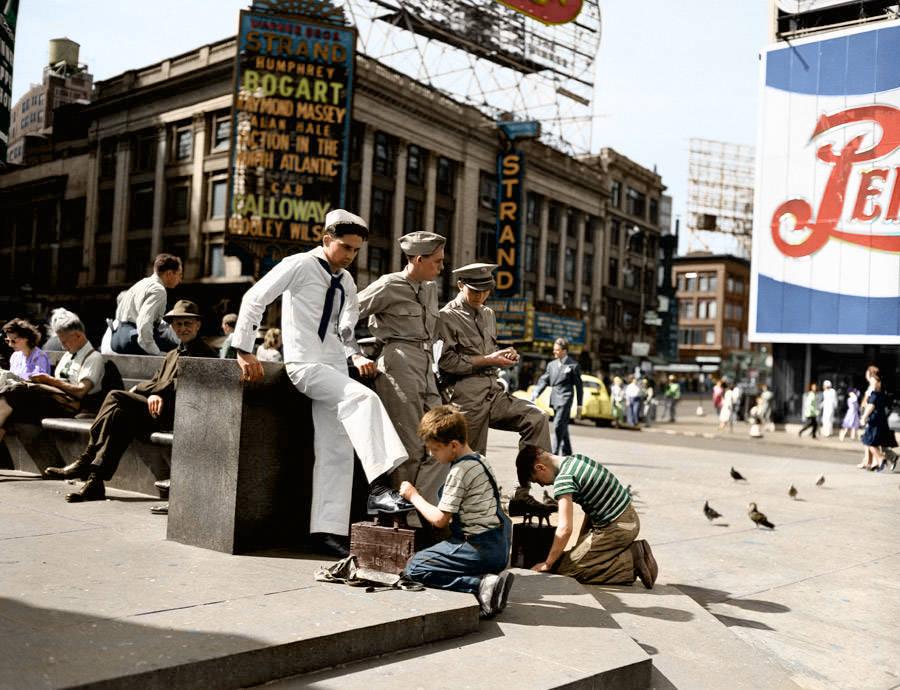 1943_times_square.jpg