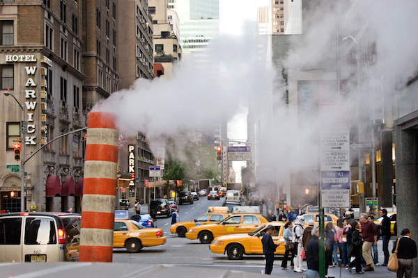 NYC_-_Steam_vents_-_1471.jpg