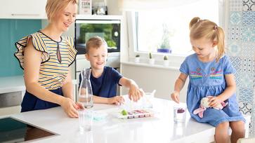5 tipp, hogy a gyerekek többet igyanak a nyári melegben