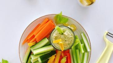 Kesudiós mártogatós friss zöldségekkel