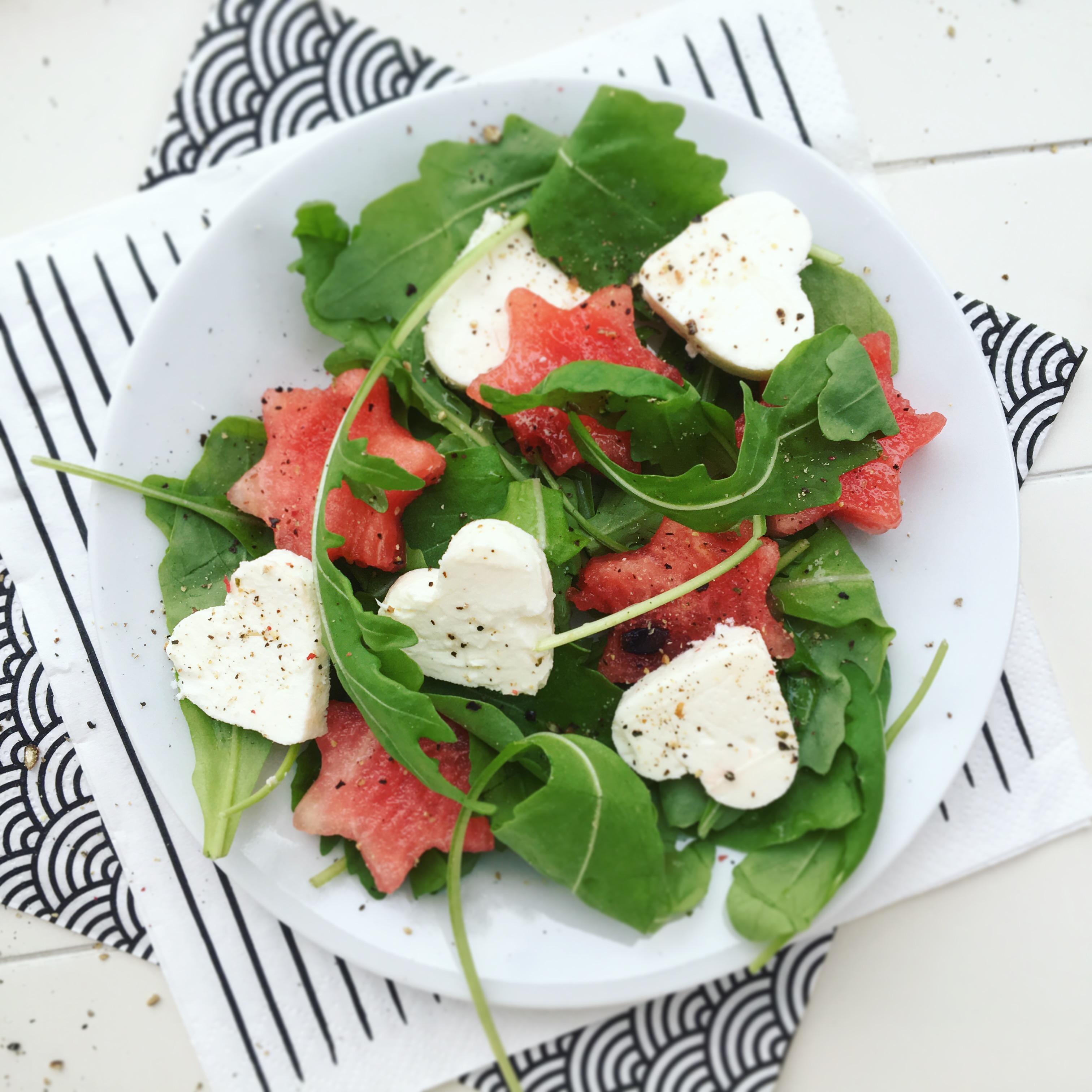 dinnye-feta-rukkola-salata-5-hozzavalobol-small.JPG