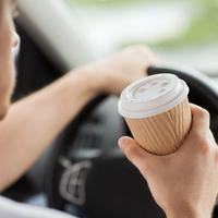 7 köznapi 1 perces: a koffein javítja a vezetés biztonságát?