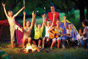 A táborozás csodája: 6 előny, amelyért érdemes elengednünk gyermekünk kezét!