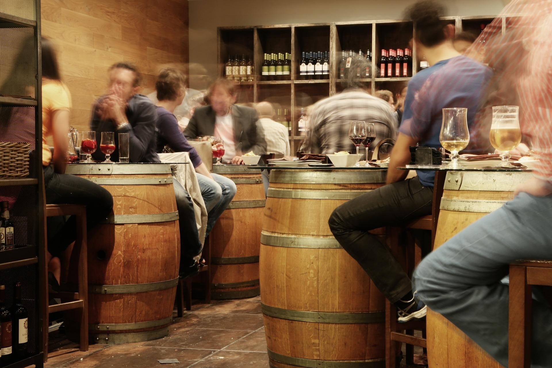 bar-406884_1920.jpg