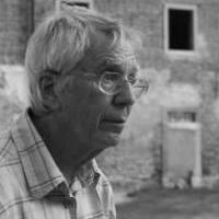 Elhunyt Maár Gyula