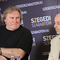 Tetszik Depardieu-nek a Szegedi Szabadtéri Háry Jánosa