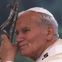 Musical ünnepli II. János Pál szentté avatását
