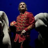 A János vitézt mutatja be a Nemzeti Színház
