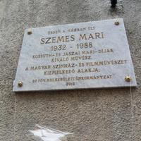 Emléktáblát állítottak a 80 éve született Szemes Mari tiszteletére