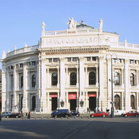 Karin Bergmann marad a Burgtheater vezetője