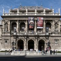 Szabadság Operagála szombaton az Opera előtt